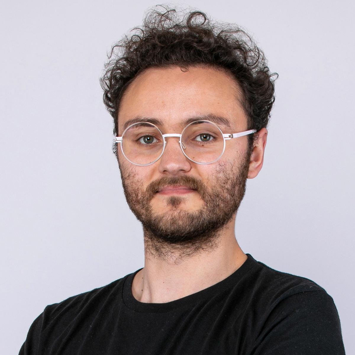 memodo-kontakt-polska-Daniel-Radulovic